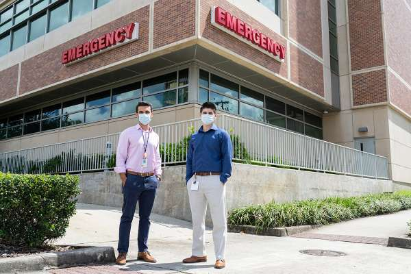 Medical students Olgert Bardhi and Daniel Valladares designed a program for UF students to volunteer at UF Health emergency departments during the COVID-19 pandemic.